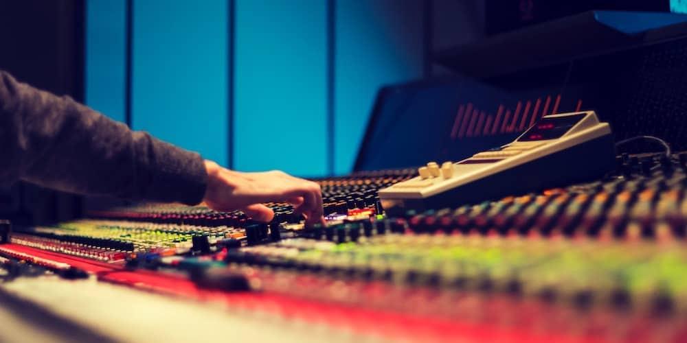 Mixing & Mastering Electronic Music in 2019 | Hyperbits