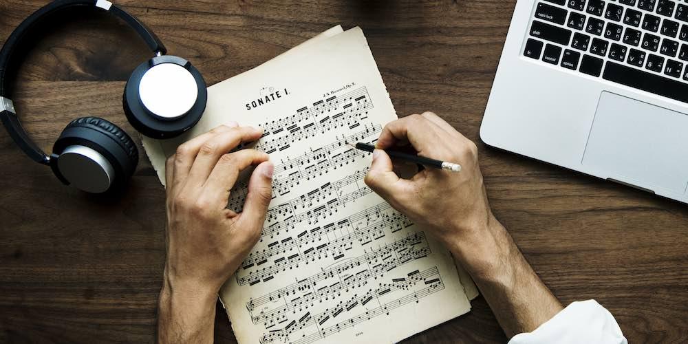 The Art of Arranging a Song   Hyperbits